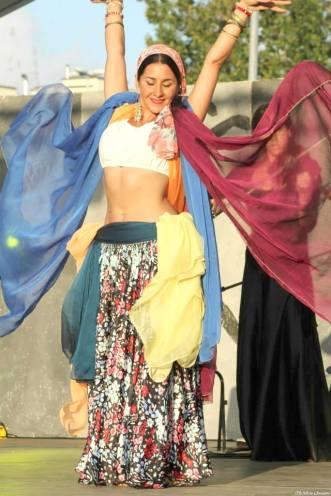 Anas dancing